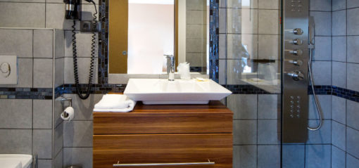 Bathroom with jet shower